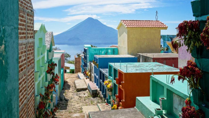 Cementerio de Sololá es reconocido por su vista al Lago de Atitlán, Sololá