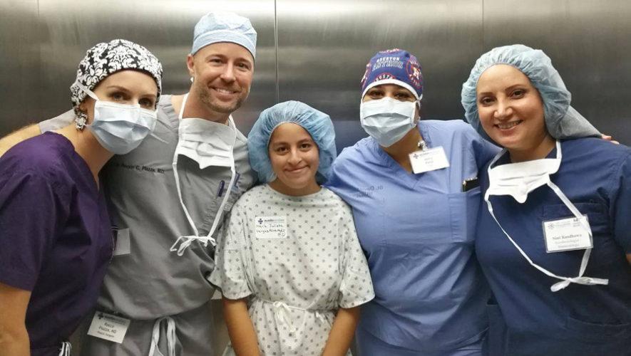 Cirugía plástica gratuita para niños y adolescentes, Ciudad de Guatemala