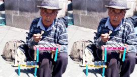 Conoce a don Victor, vendedor de marimbas a escala en Quetzaltenango