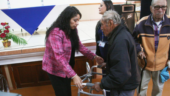 Jornada de donación de andadores, muletas y bastones en San Miguel Petapa