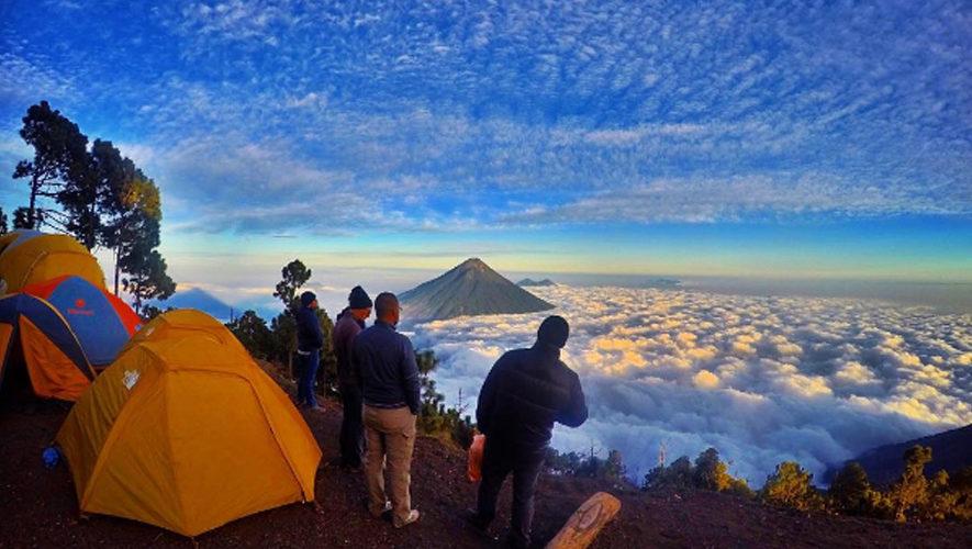 Ascenso y Campamento al Volcán Acatenango | Noviembre 2017