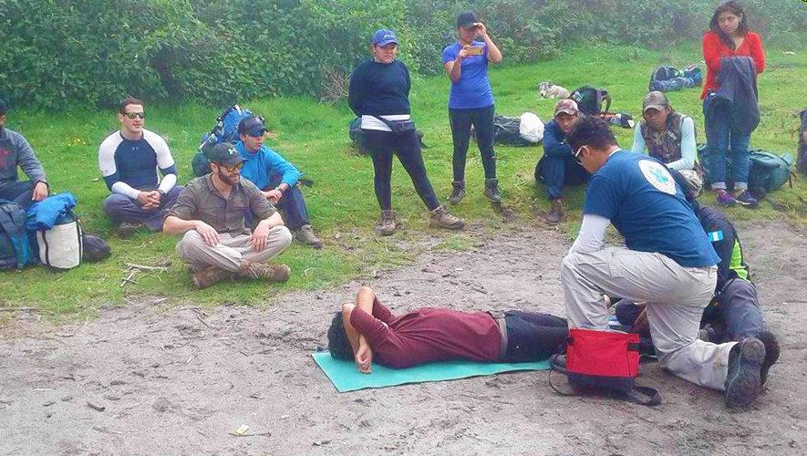 Curso de primeros auxilios en el Volcán Pacaya | Noviembre 2017