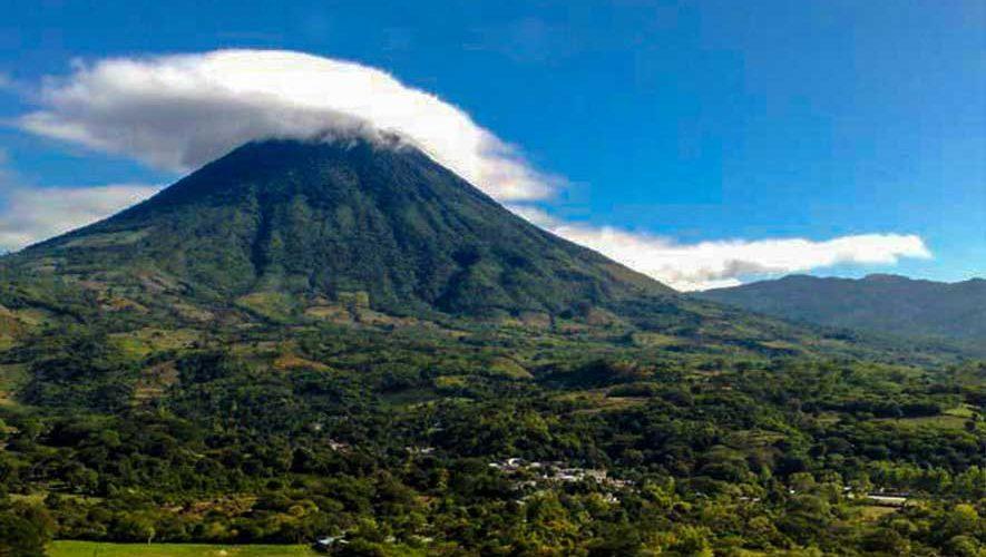 Ascensos a 10 volcanes de Oriente | Octubre 2017
