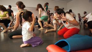 Clases de yoga en familia | Octubre 2017