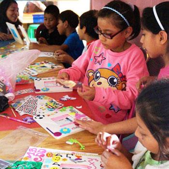 Dona juguetes en Guatemala