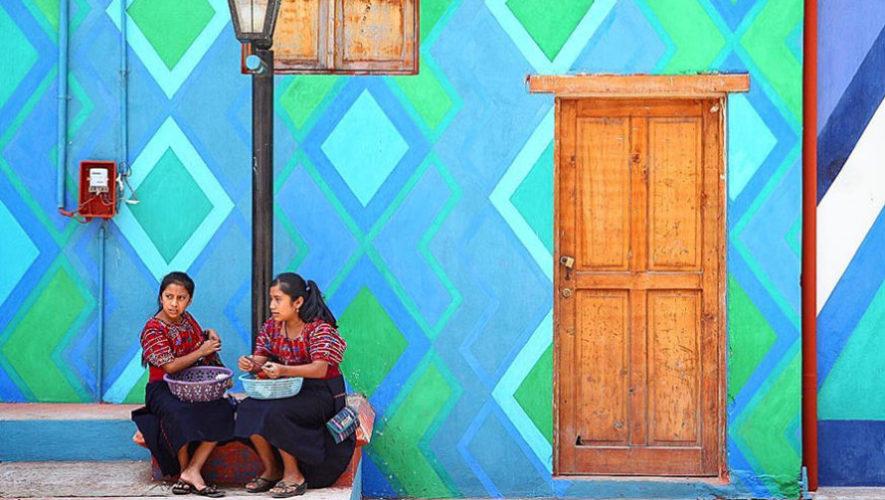 Pintando Santa Catarina Palopó está transformando Sololá, según revista internacional