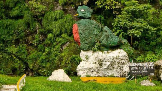 Cerros y piedras con formas exóticas en Guatemala