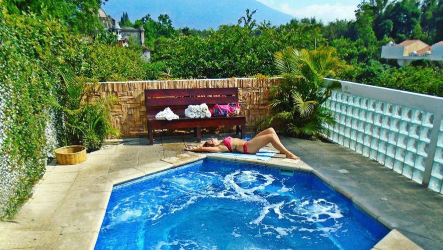 Zoola bar terraza con jacuzzi al aire libre bares con terraza que existen en antigua guatemala - Jacuzzi aire libre ...