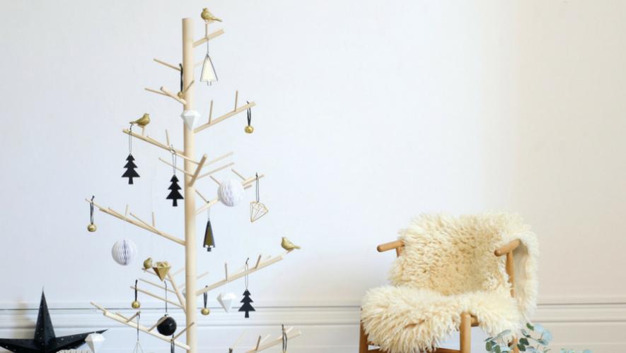 Taller para elaborar un árbol navideño de madera   Noviembre 2017