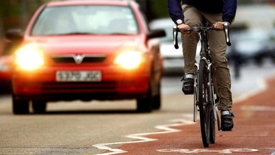 Proyección del documental Carros versus Bicicletas   Diciembre 2017