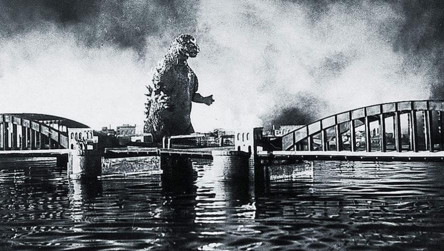 Proyección de la película Godzilla, de 1954   Noviembre 2017