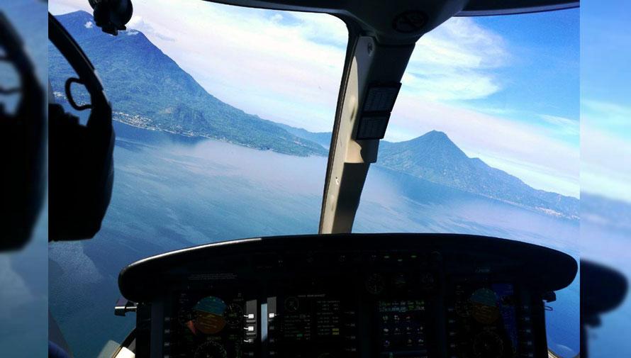 Vuelo en avioneta sobre el Lago de Atitlán