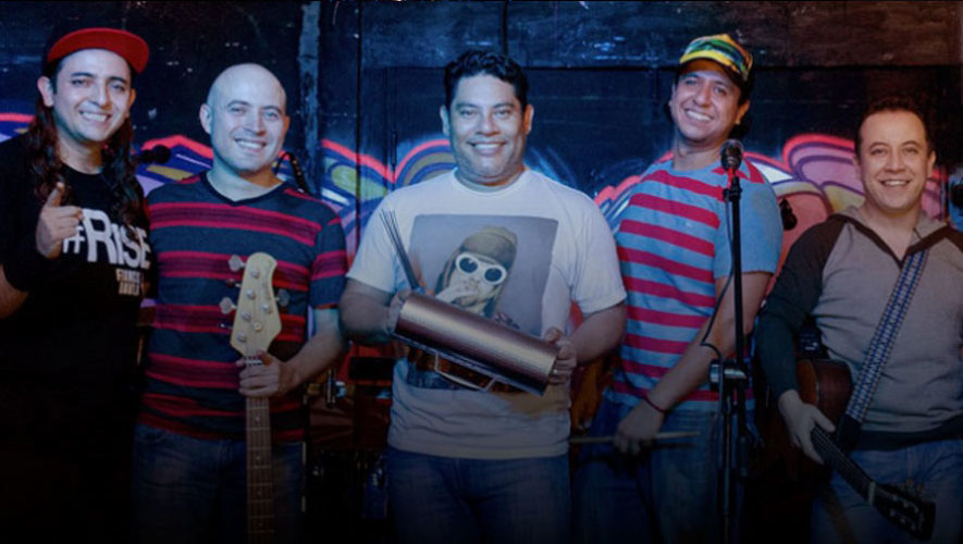 Show de Luces y concierto de Los Miseria Cumbia Band en Plaza Américas Mazatenango   Diciembre 2017