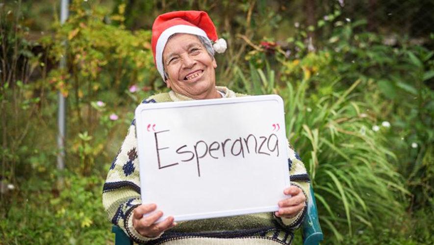 Abuelitos del Asilo Meson Buen Samaritano en Palencia envían mensajes de Navidad