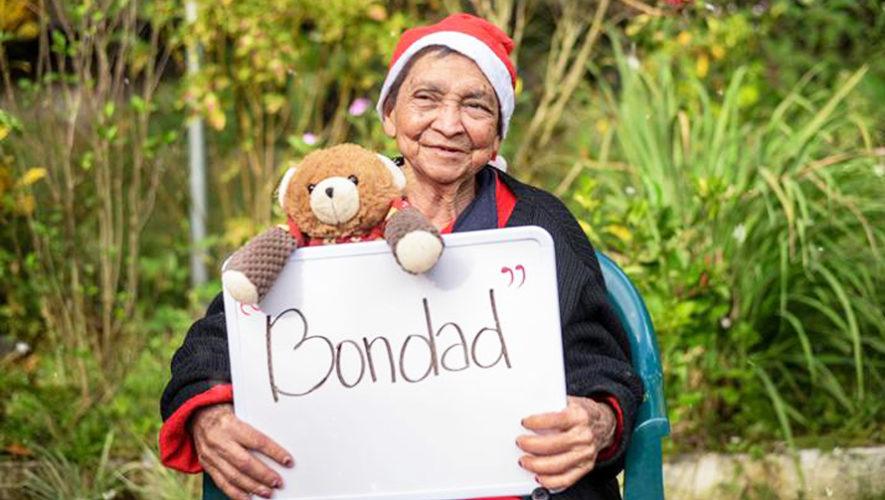 Abuelitos del Asilo Meson Buen Samaritano en Palencia enviaron mensajes de Navidad