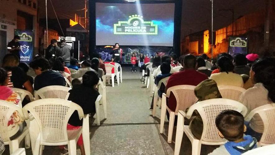 Calendario de películas gratuitas en el Festival Navideño del Paseo de La Sexta