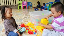 Dona ropa y juguetes en buen estado para el Hogar de niños Fátima, 2017