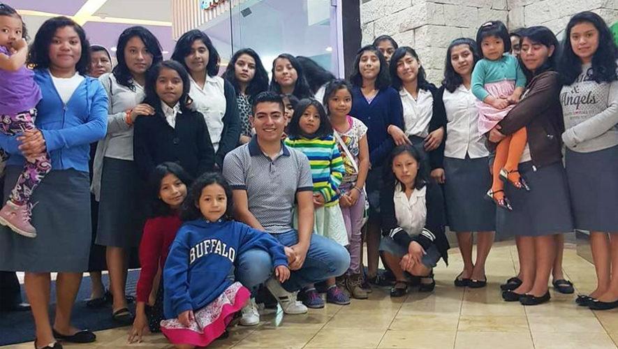 Guatemalteco celebró su cumpleaños con niñas del Internado de Hermanas Marianas