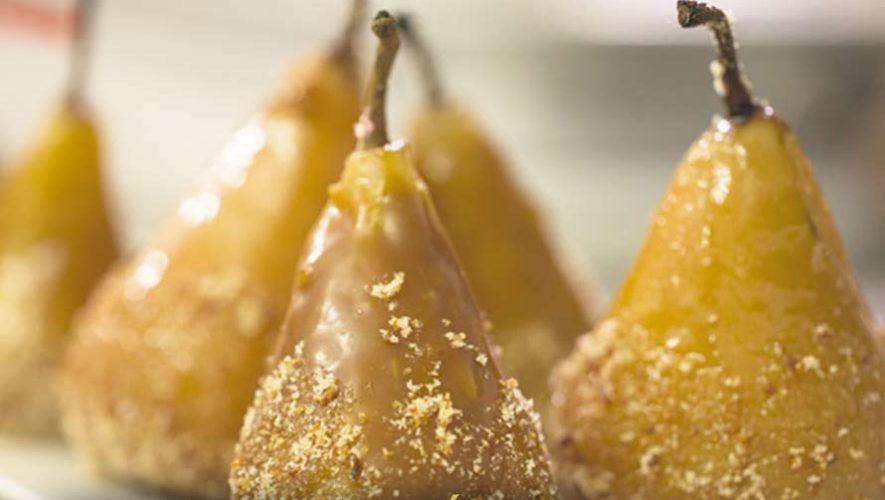 Reconocida chef guatemalteca sorprende con su creatividad para preparar postres deliciosos para Navidad.