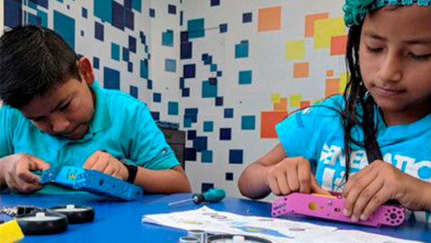 1bot busca darle un robot a cada niño en Guatemala