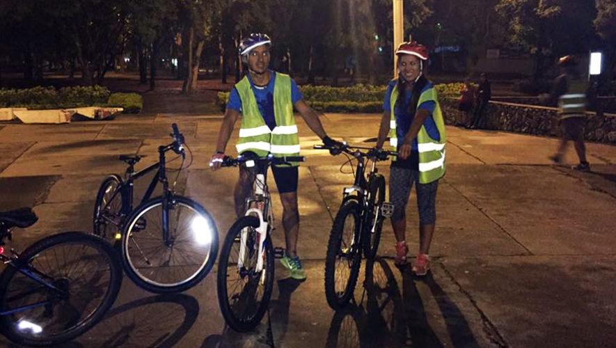 Recorrido nocturno en bicicleta por la Ciudad de Guatemala   Julio 2018