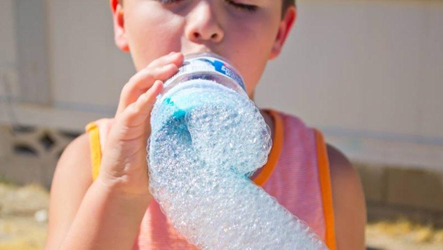 Taller gratuito de burbujas para niños en Saúl L'Osteria Guatemala   Junio 2018