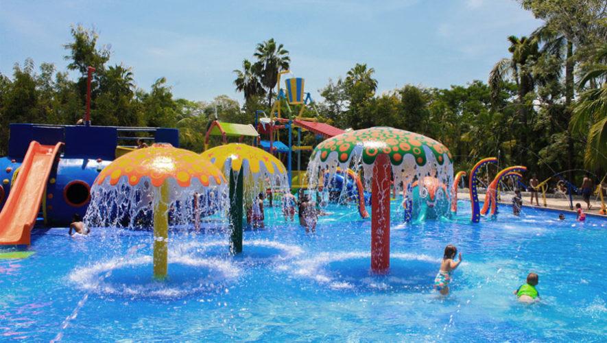 Juegos acuaticos para ninos en piscina for Construccion de piscinas en mexico