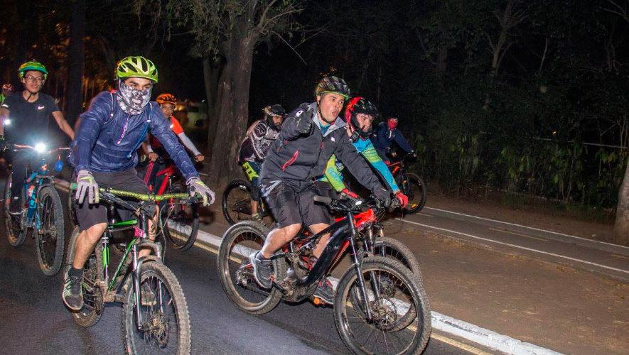 Colazo nocturno en bicicleta por la Ciudad de Guatemala   Julio 2018