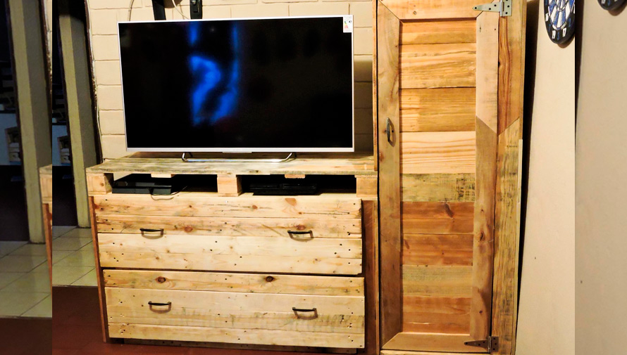 Decopalets muebles ecol gicos elaborados con palets for Tarimas de madera recicladas
