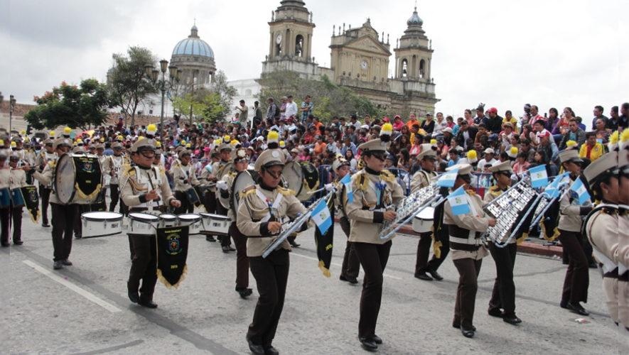 Desfile de bandas en la Sexta Avenida | Agosto 2018