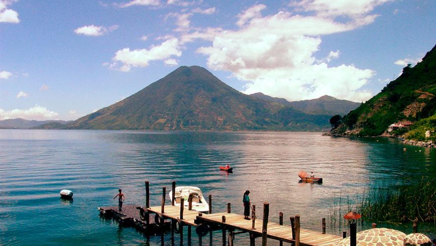 El Lago de Atitlán es uno de los 8 impresionantes lagos que debes visitar