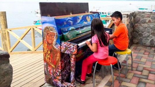 En FILGUA 2018 podrás tocar el colorido piano de Movimiento Viaje, Guatemala