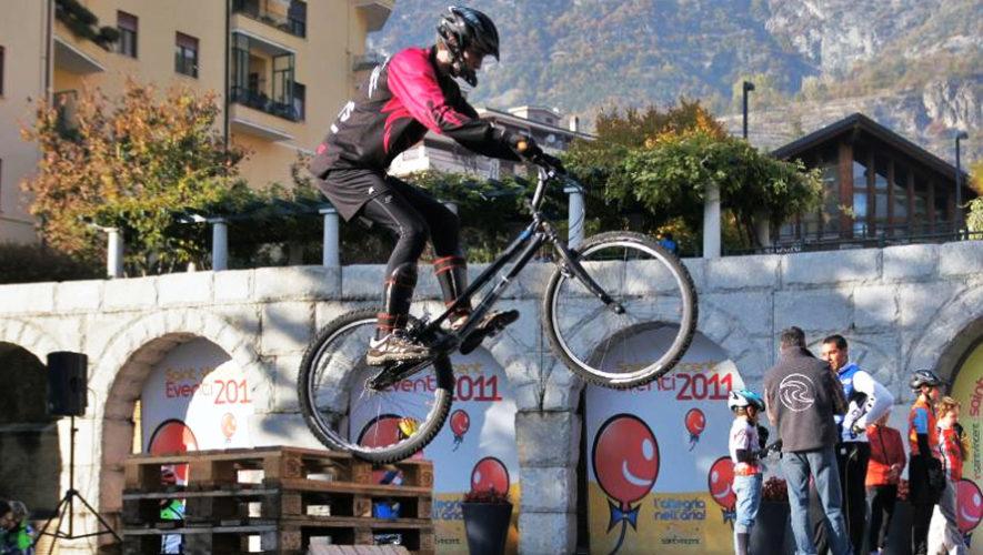 Pista gratuita de obstáculos con bicicletas junto al BMX Darío Villagrán | Julio 2018