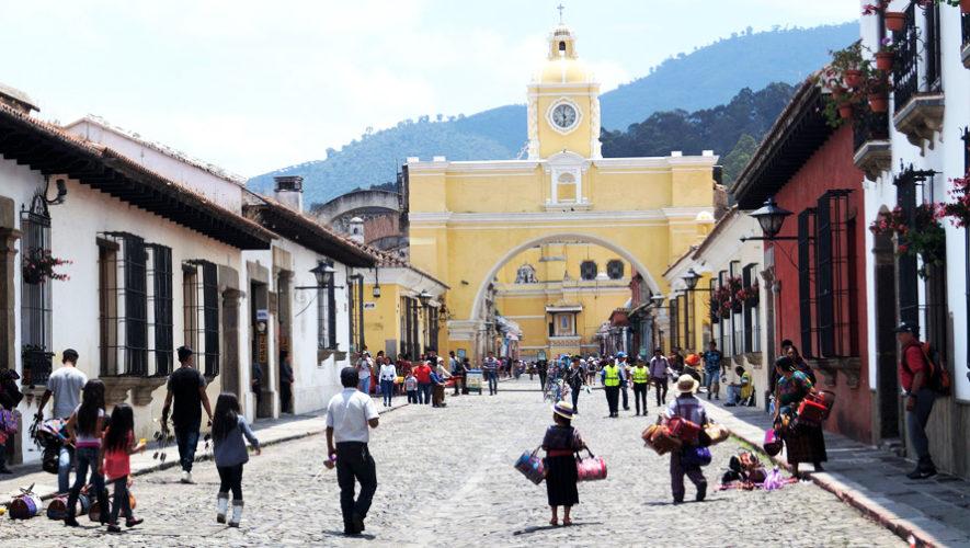 Tour gratuito por las calles de Antigua Guatemala   Julio 2018