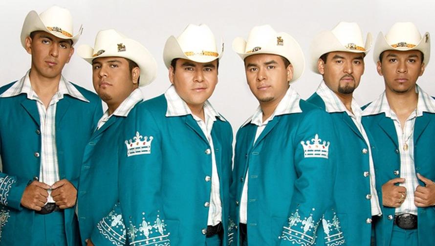 Concierto de El Trono de México en San Miguel Petapa