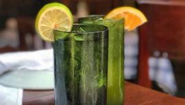 Restaurantes de Trefra Group utilizan vasos reciclados de botellas de vino
