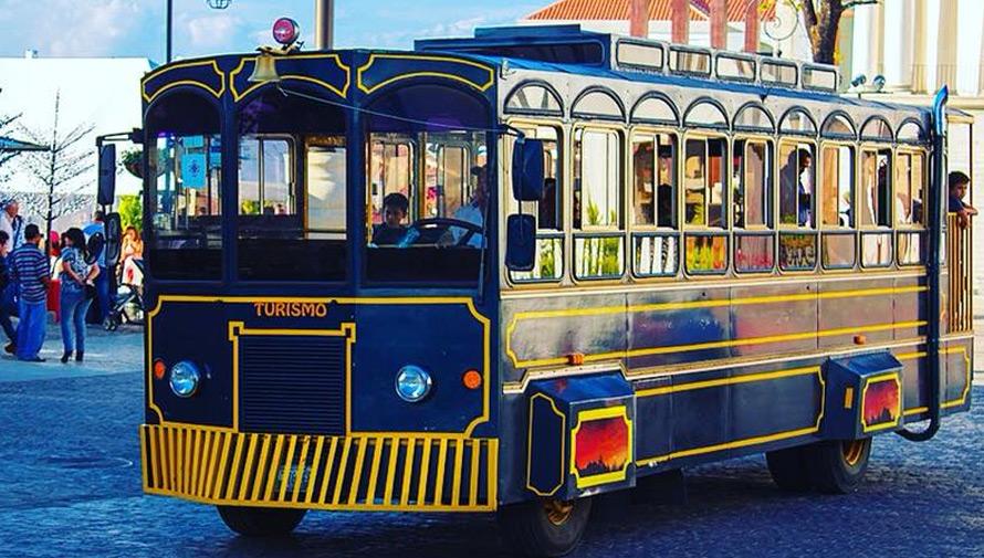 Recorrido en trolley por los Barrios Antiguos del Centro Histórico