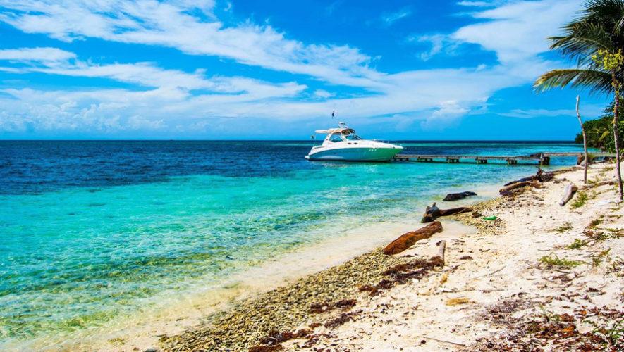 Viaje y fiesta en las playas de El Caribe guatemalteco | Agosto 2018