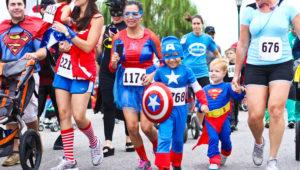 Carrera familiar con disfraces de superhéroes en Guatemala | Septiembre 2018