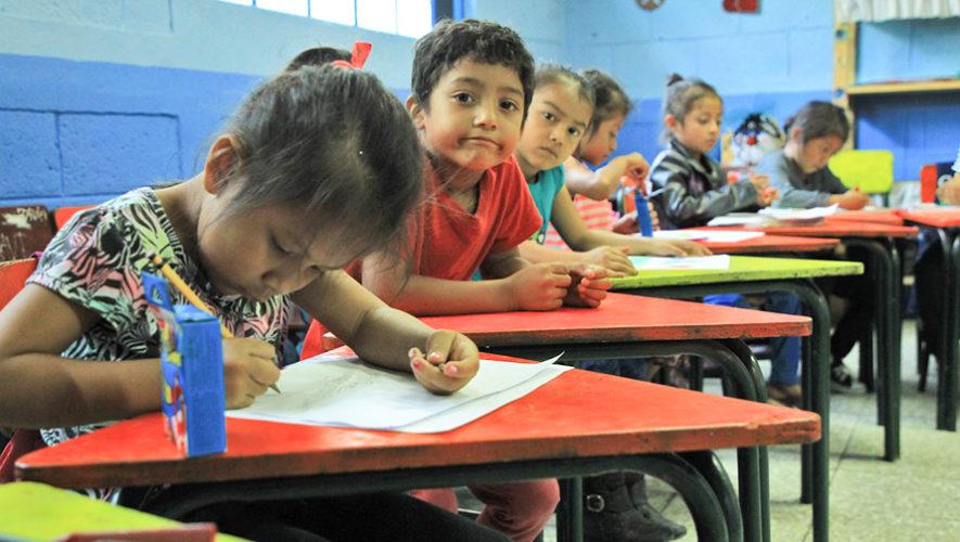Centros educativos de Alta Verapaz prohíben el uso de bolsas de plástico y duroport