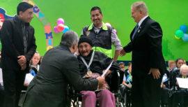 Doña Matilde Colindres de 105 años recibió un diploma por cursar segundo primaria