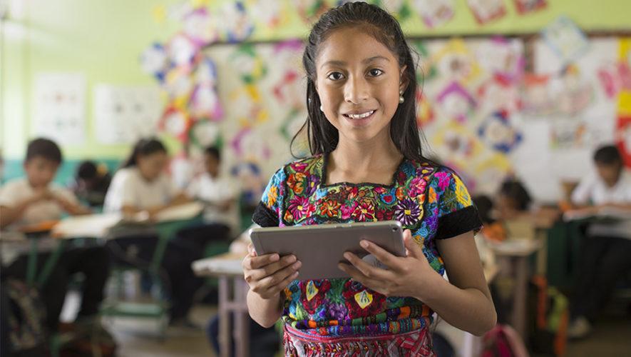 ProFuturo aporta en educación digital para jóvenes guatemaltecos