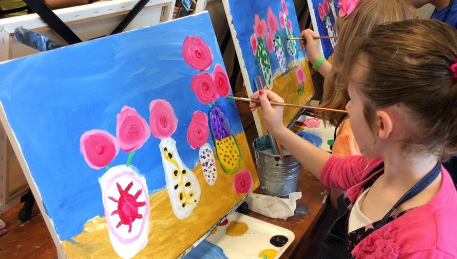 Taller de pintura gratuito para niños