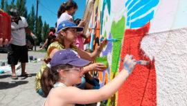 Convocatoria de voluntarios para pintar murales en la Plaza Berlín, Ciudad de Guatemala