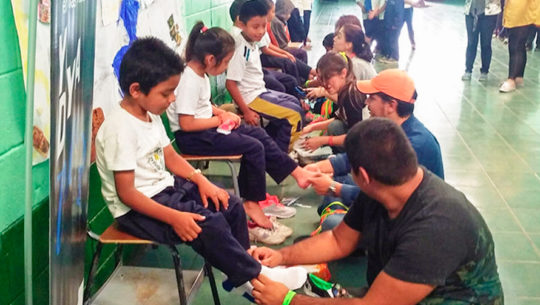 Recaudan zapatos en buen estado para niños de áreas rurales de Guatemala, 2018