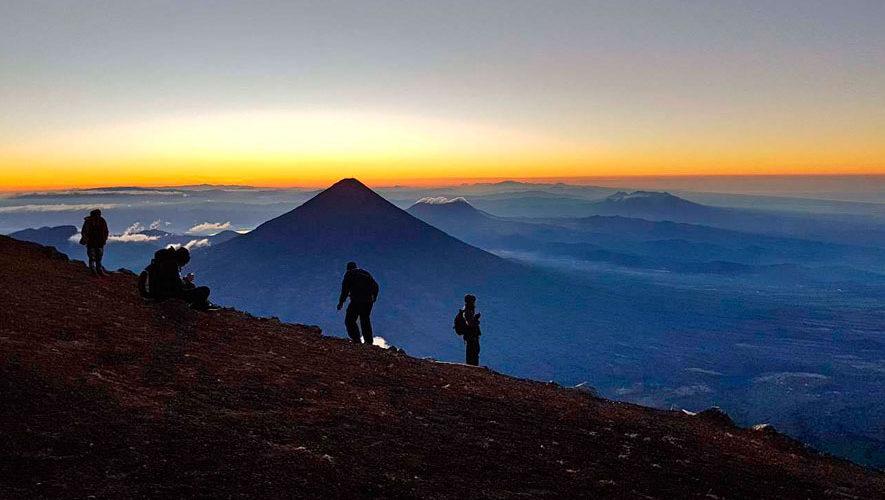 Ascenso nocturno al volcán Acatenango | Octubre 2018