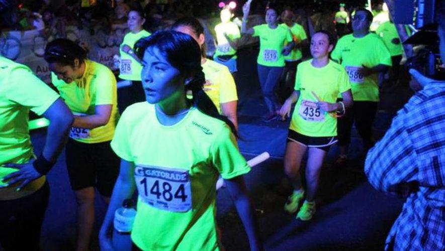 Carrera nocturna 5k neón en la Ciudad de Guatemala   Diciembre 2018