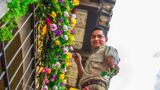 Convocatoria de voluntarios para el Festival de las Flores en Antigua Guatemala, 2018