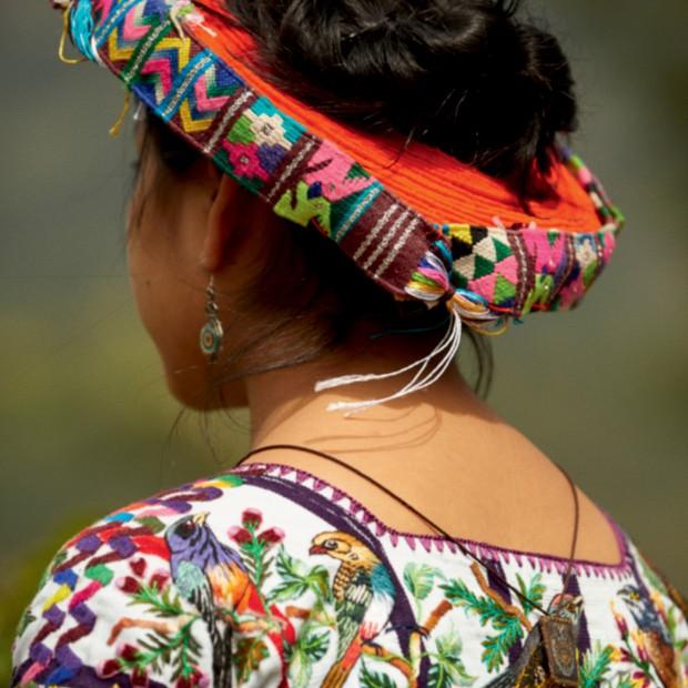 Elizabeth Quic traje regional de Santiago Atitlán