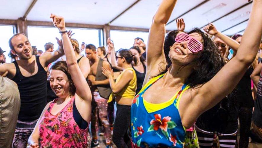 Fiesta de baile en el Aeropuerto La Aurora | Diciembre 2018